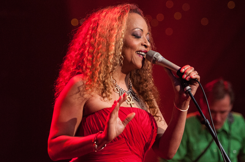 strange fruit as done by cassandra wilson Cassandra wilson (born 4th december 1955) is a us jazz vocalist and two-time grammy award winner from jackson, mississippi two of her albums, blue skies (1988) and new moon daughter (1996), have topped the us jazz charts, and the latter also won her a grammy for best jazz vocal performance in 1997.